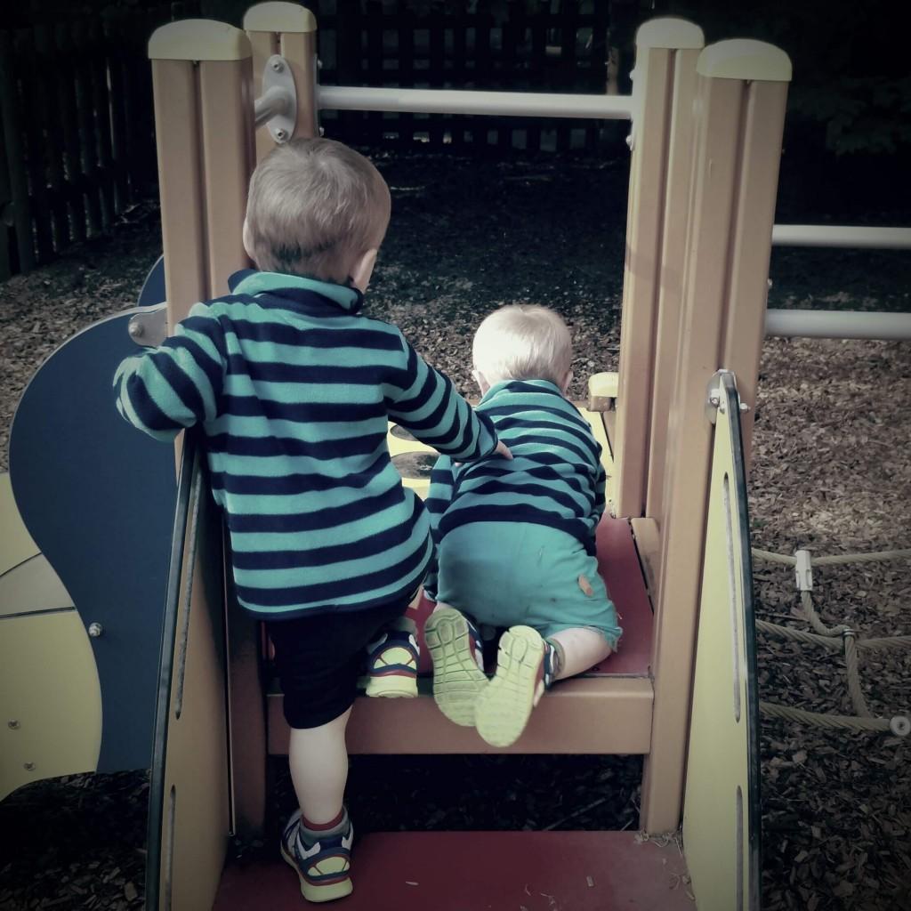 sibling-play