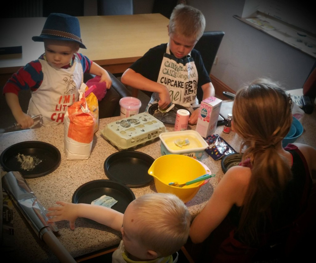 little cake makers