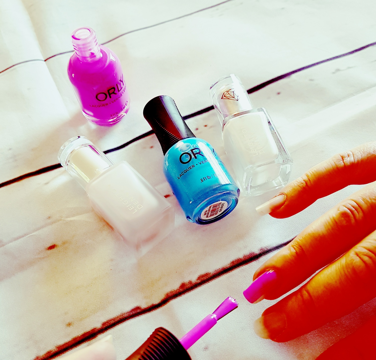 brighten up those mum nails