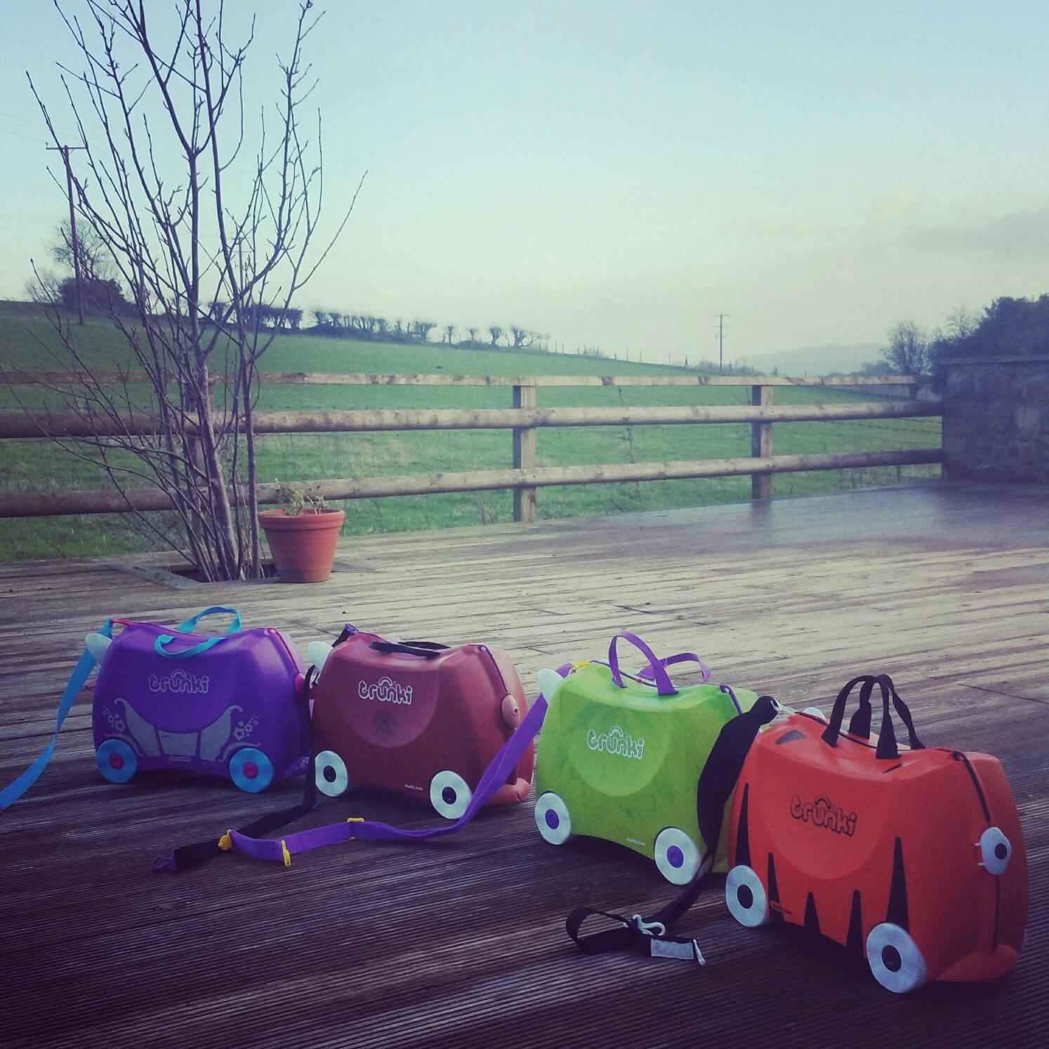 happy family travel